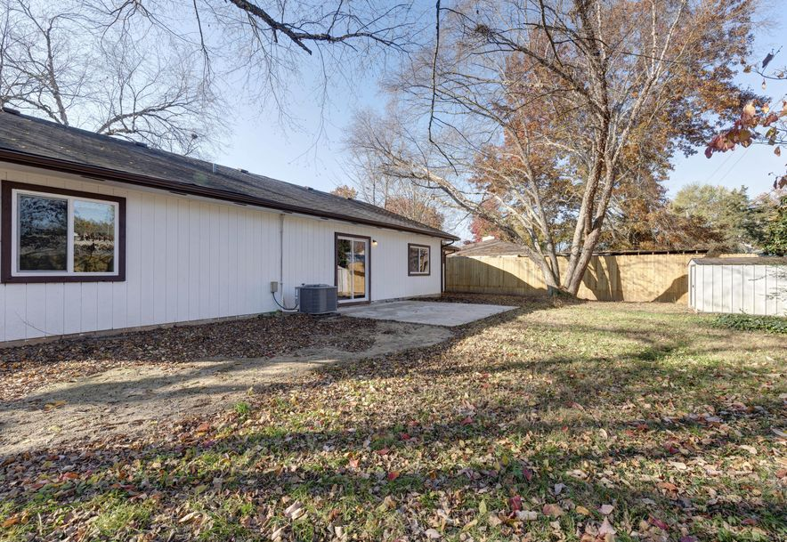 289 Central Avenue Hollister, MO 65672 - Photo 22