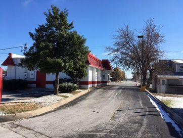 Photo of 2027 North Glenstone Avenue