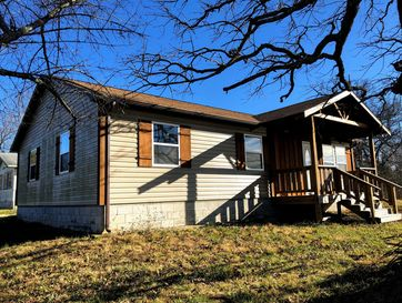 200 North Roote Avenue Mansfield, MO 65704 - Image 1