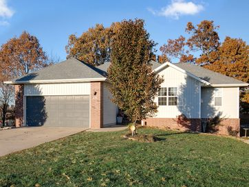 210 Spruce Avenue Clever, MO 65631 - Image 1