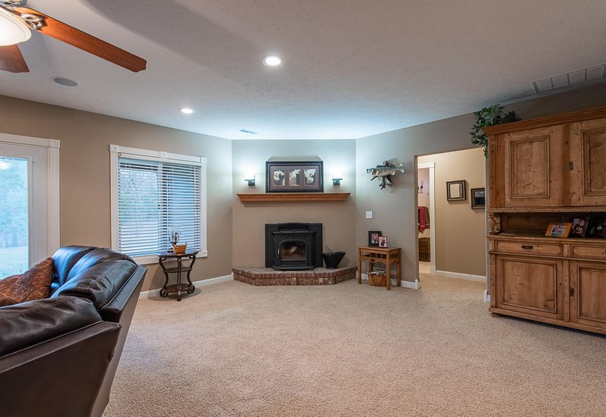 2287 Mount Carmel Road Clever, MO 65631 - Photo 46