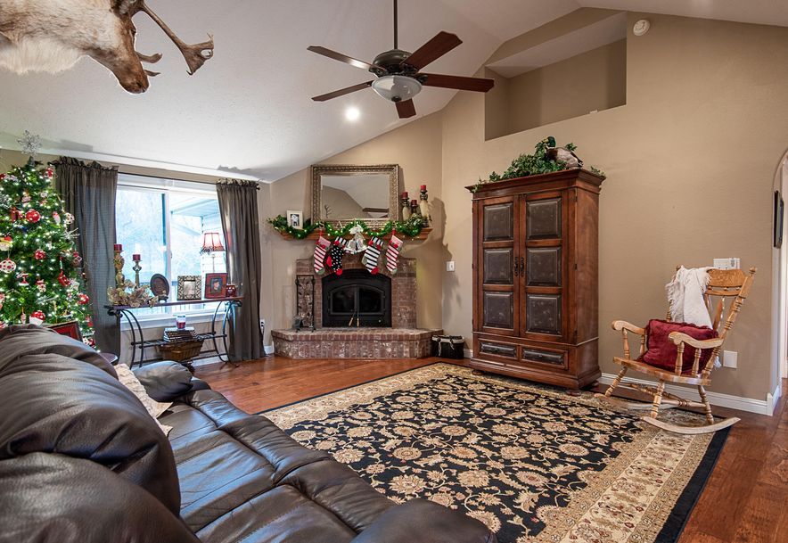 2287 Mount Carmel Road Clever, MO 65631 - Photo 8
