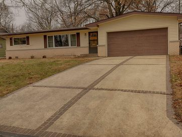 733 South Link Avenue Springfield, MO 65802 - Image 1