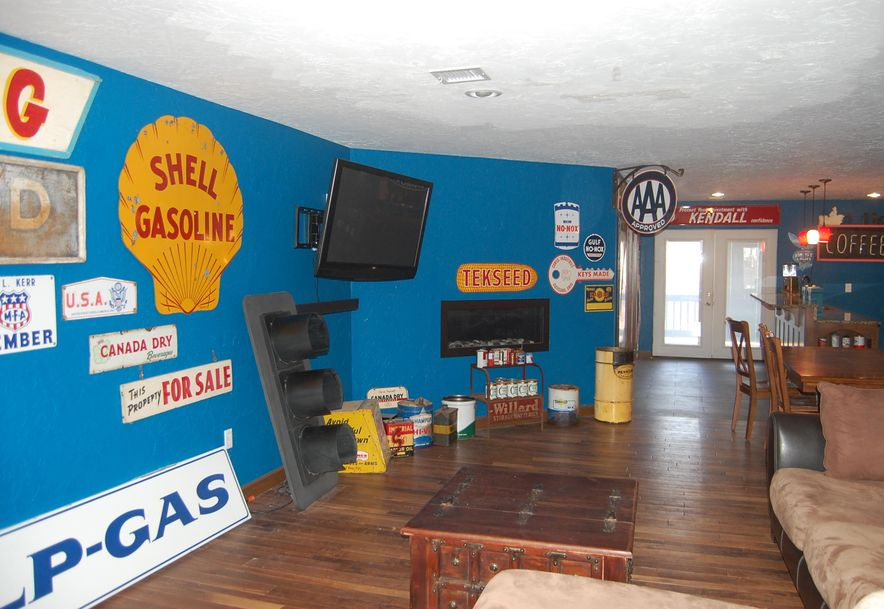 8258 Holly Road Neosho, MO 64850 - Photo 67