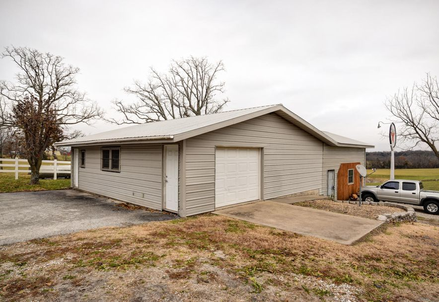 8016 North Farm Road 231 Strafford, MO 65757 - Photo 42