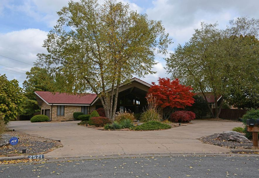 2521 East Meadow Drive Springfield, MO 65804 - Photo 1