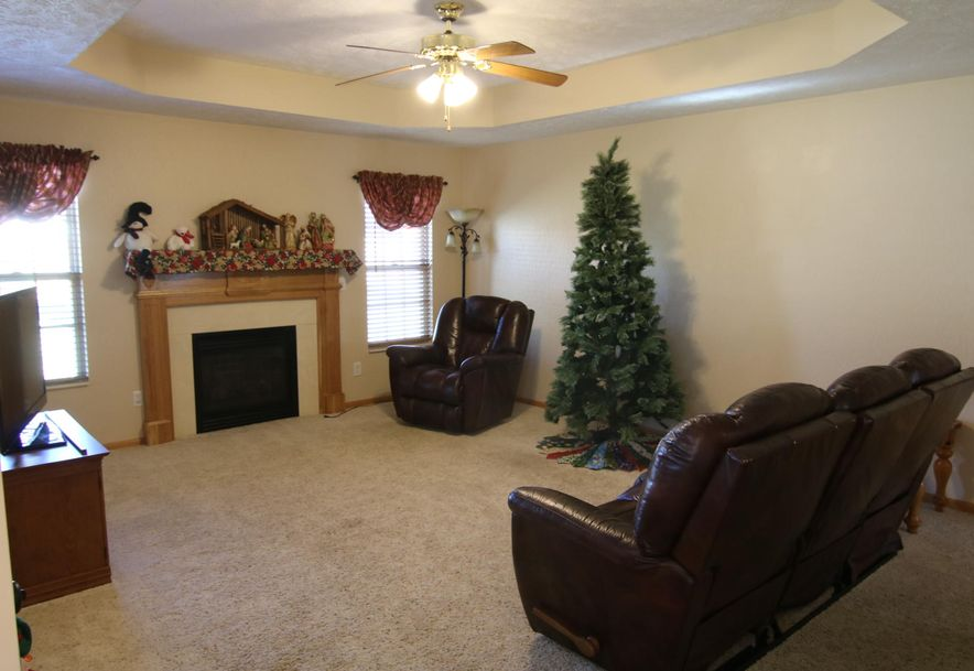 505 East Pine Street Willard, MO 65781 - Photo 12
