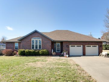 813 Mark Street Willard, MO 65781 - Image 1