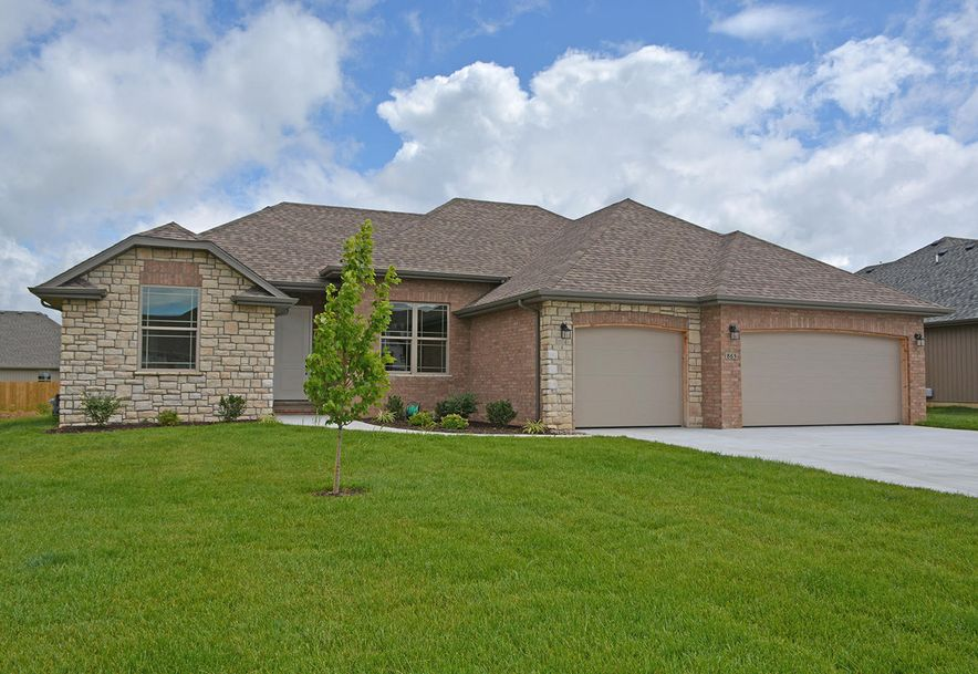 865 East Dyann Drive Nixa, MO 65714 - Photo 1