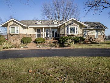 627 Julian Street Marshfield, MO 65706 - Image 1