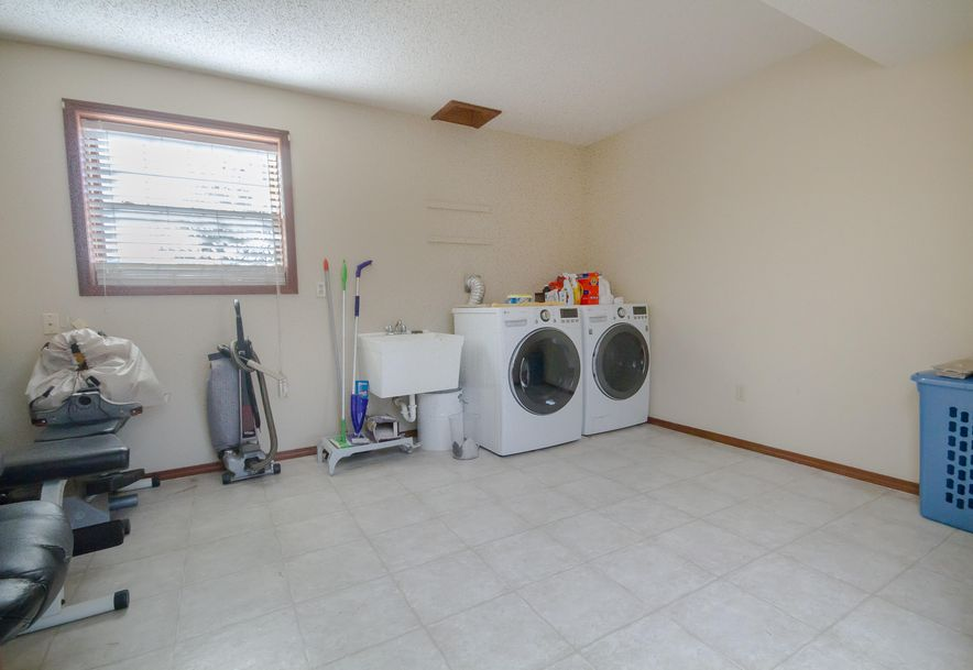 3859 East Cherokee Street Springfield, MO 65809 - Photo 18
