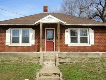 1315 West Mt Vernon Street Springfield, MO 65806 - Image 1