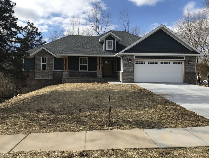 Photo of 5729 South Cloverdale Lane