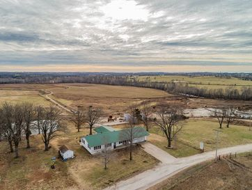 1916 East 505th Road Halfway, MO 65663 - Image 1