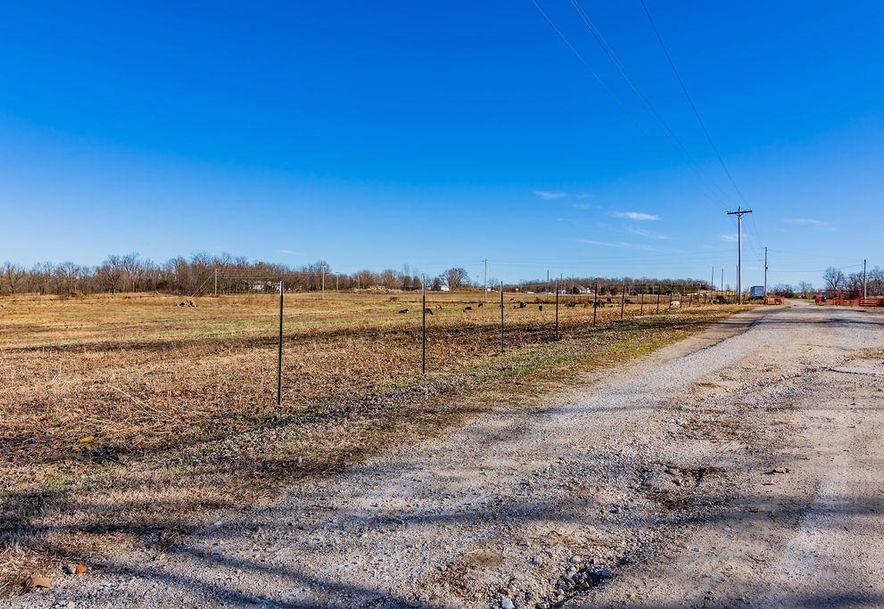 1916 East 505th Road Halfway, MO 65663 - Photo 13