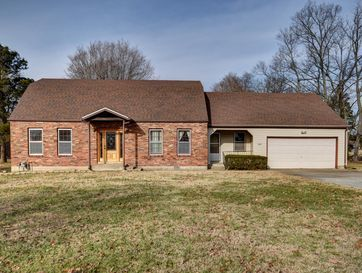 604 College Street Greenfield, MO 65661 - Image 1