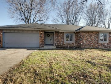 2132 South Butterfly Avenue Springfield, MO 65807 - Image 1