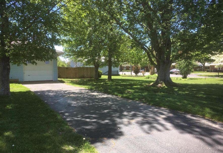 482 Division Street Sparta, MO 65753 - Photo 2