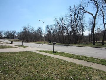 Photo of 2722 South Meadowlark Avenue