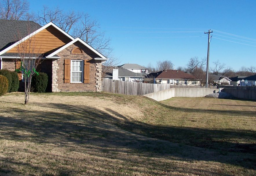 3112 West Melbourne Street Springfield, MO 65810 - Photo 3