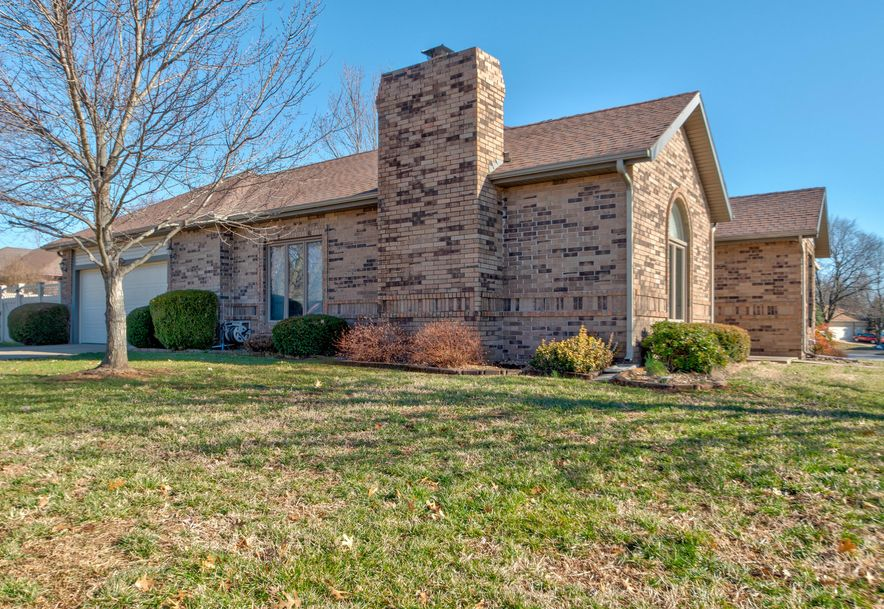 2473 South Nolting Avenue Springfield, MO 65807 - Photo 3