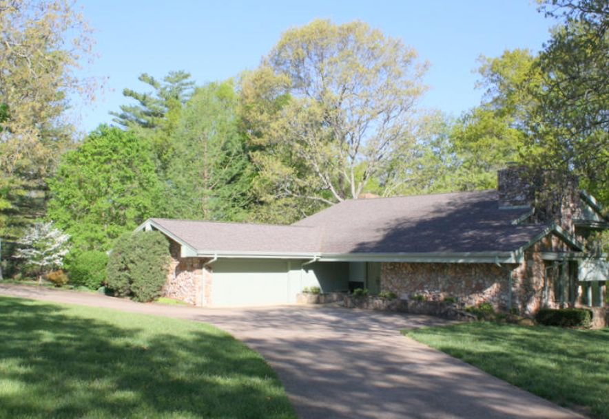 2101 Cambridge Drive West Plains, MO 65775 - Photo 4