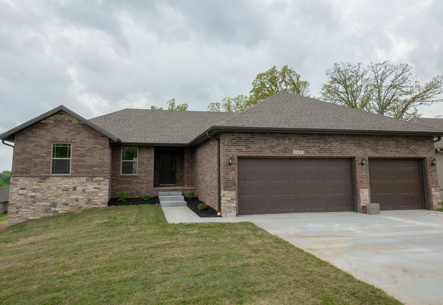 1052 East Lakota Drive Nixa, MO 65714 - Photo 1