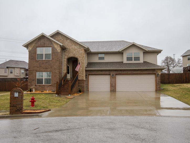 Photo of 601 East Sugarmill Court