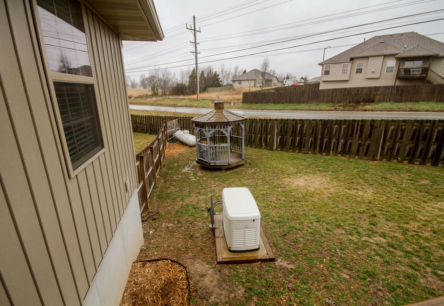 601 East Sugarmill Court Ozark, MO 65721 - Photo 34