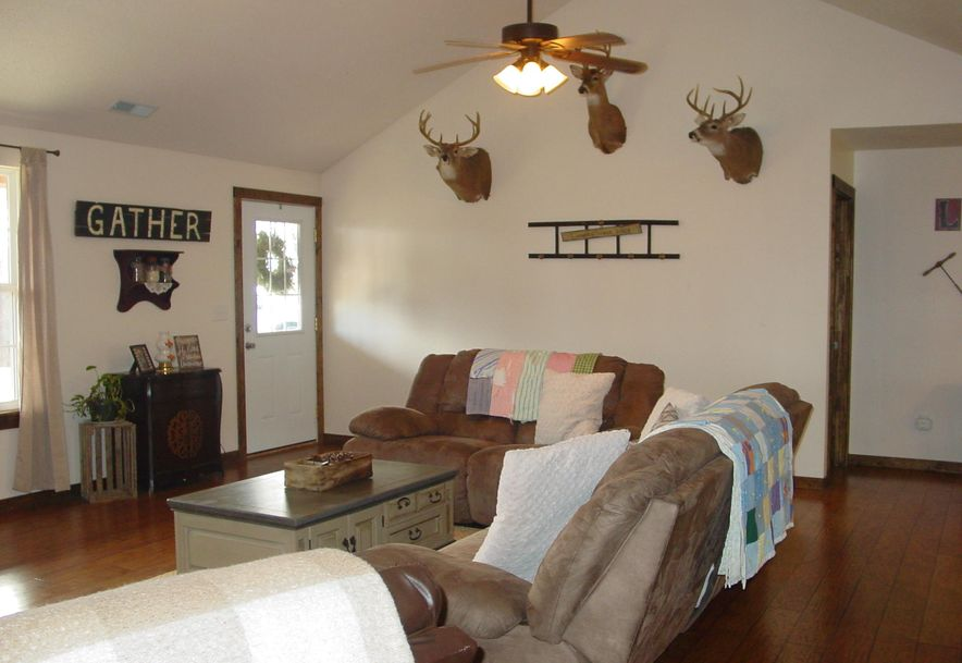 614 Holt Spring Rd. Marionville, MO 65705 - Photo 11