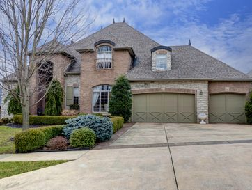 813 North Thornapple Lane Springfield, MO 65802 - Image 1
