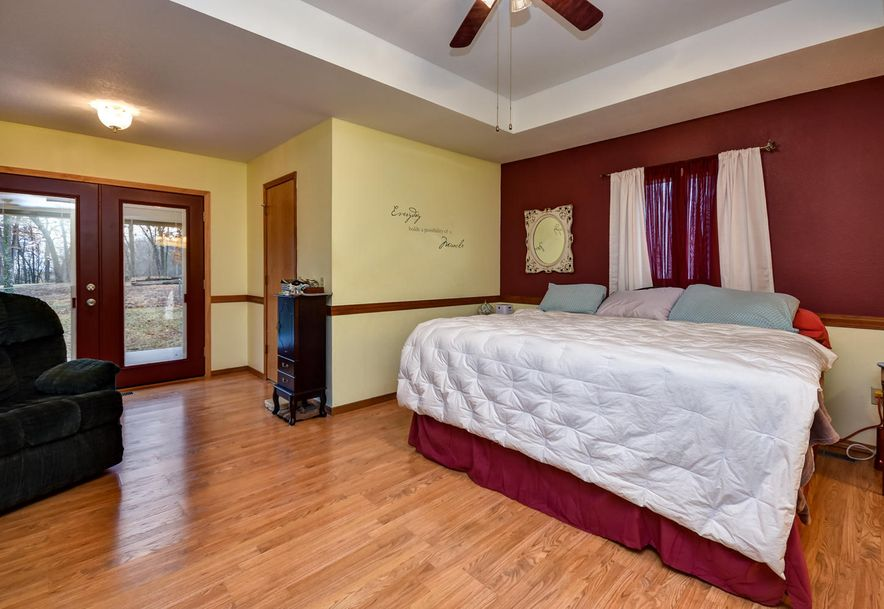 2525 Kayla  Lane Mt Vernon, MO 65712 - Photo 19