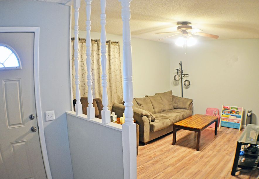 104 Ridgeview Drive Willard, MO 65781 - Photo 3