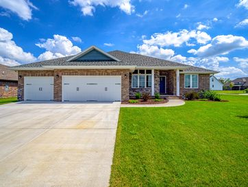 682 North Foxhill Circle Nixa, MO 65714 - Image 1
