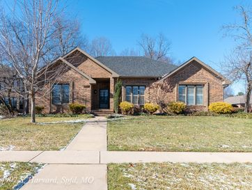4907 South Harvard Court Springfield, MO 65804 - Image 1