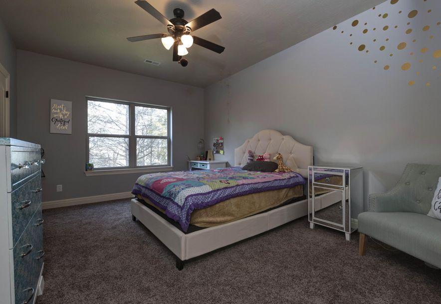 415 West Everwood Way Nixa, MO 65714 - Photo 34
