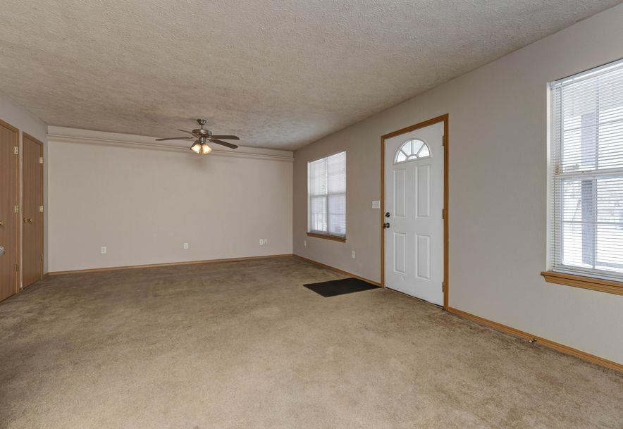 3138 West Chestnut Street Springfield, MO 65803 - Photo 4
