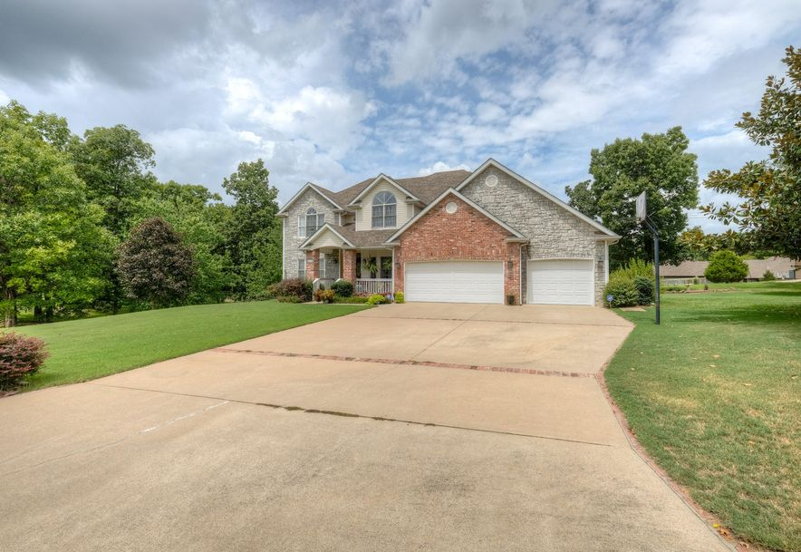 6012 West Highland Drive Joplin, MO 64804 - Photo 2