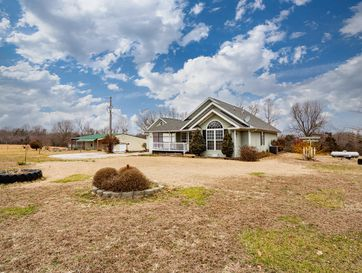 505 Carob Road Clever, MO 65631 - Image 1