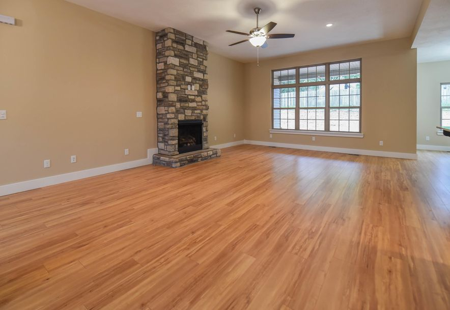 1524 South Essex Road Springfield, MO 65809 - Photo 8