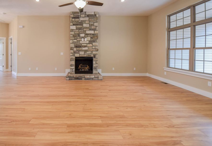 1524 South Essex Road Springfield, MO 65809 - Photo 9