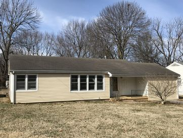 1427 South Marlan Avenue Springfield, MO 65804 - Image 1