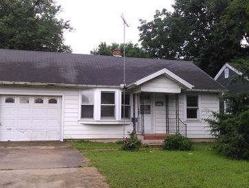 1672 East Commercial Street Springfield, MO 65803 - Image 1