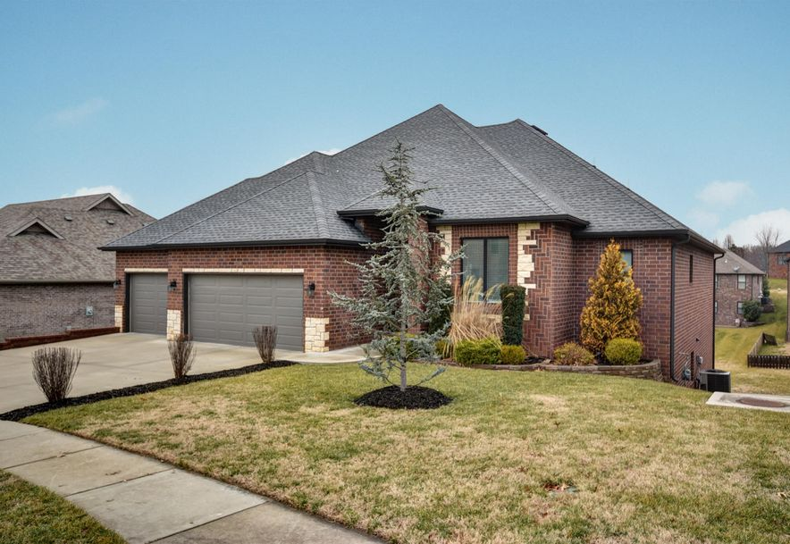 5985 Lakepoint Drive Springfield, MO 65804 - Photo 3