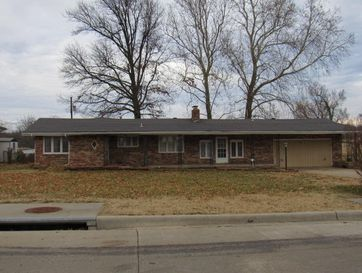 3935 West Dover Street Springfield, MO 65802 - Image 1