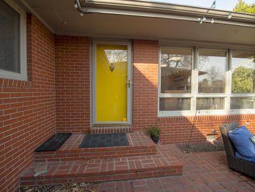 Photo of 953 East Linwood Drive
