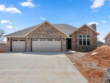 5746 East Park Place Strafford, MO 65757 - Image