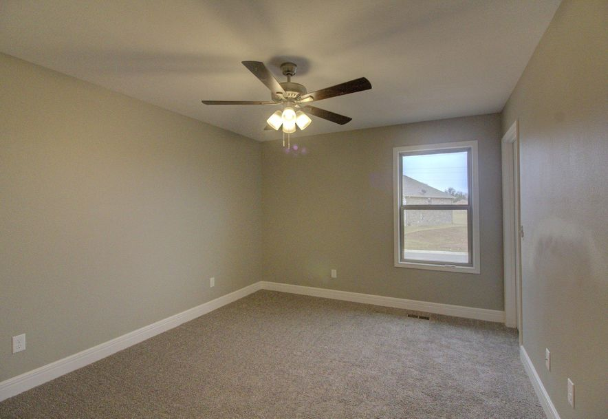 2398 North Citation Avenue Springfield, MO 65802 - Photo 13