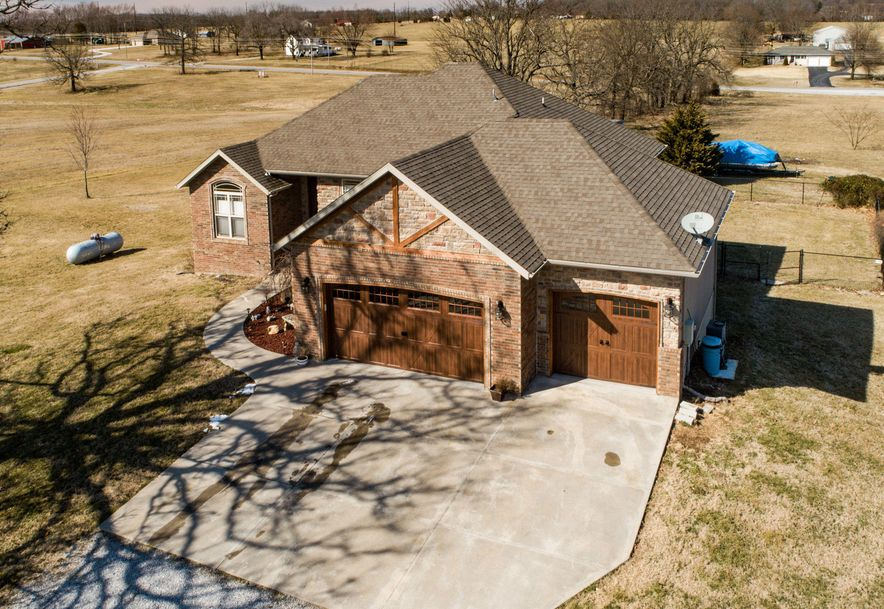 261 Lilac Lane Clever, MO 65631 - Photo 4