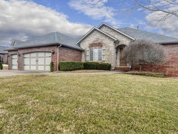6083 South Lakepoint Drive Springfield, MO 65804 - Image 1